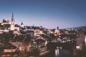 עיירה שוויצרית בלילה